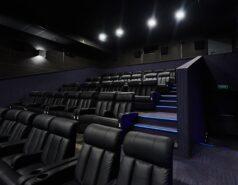 Афиша кинотеатра ТРК Пилот в Гатчине. Расписание сеансов в ТРЦ Пилот на сегодня